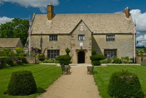 Sulgrave Manor looking for Volunteers